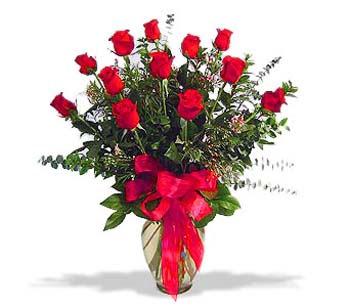 çiçek siparisi 11 adet kirmizi gül cam vazo  İsparta online çiçek gönderme sipariş