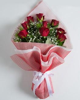 9 adet kırmızı gülden buket  İsparta çiçek satışı