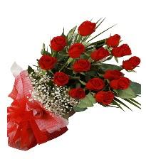 15 kırmızı gül buketi sevgiliye özel  İsparta çiçek gönderme sitemiz güvenlidir