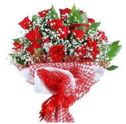 11 kırmızı gülden buket  İsparta 14 şubat sevgililer günü çiçek