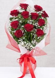 11 kırmızı gülden buket çiçeği  İsparta 14 şubat sevgililer günü çiçek