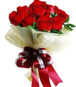 9 adet kırmızı gülden buket tanzimi  İsparta çiçek gönderme sitemiz güvenlidir