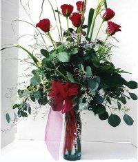 İsparta çiçek siparişi sitesi  7 adet gül özel bir tanzim