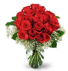 25 adet kırmızı gül cam vazoda  İsparta çiçek , çiçekçi , çiçekçilik