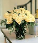 İsparta çiçek siparişi sitesi  11 adet sari gül mika yada cam vazo tanzim