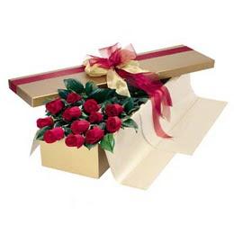 İsparta cicekciler , cicek siparisi  10 adet kutu özel kutu