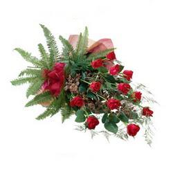 İsparta online çiçek gönderme sipariş  10 adet kirmizi gül özel buket çiçek siparisi