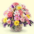İsparta uluslararası çiçek gönderme  sepet içerisinde gül ve mevsim