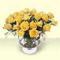 İsparta çiçekçi telefonları  11 adet sari gül cam yada mika vazo içinde