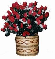 yapay kirmizi güller sepeti   İsparta kaliteli taze ve ucuz çiçekler