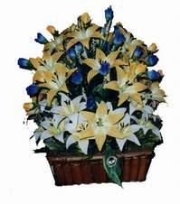 yapay karisik çiçek sepeti   İsparta çiçek gönderme