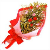 12 adet renkli  gül buketi   İsparta çiçekçi mağazası