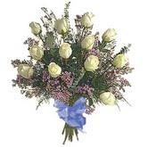 bir düzine beyaz gül buketi   İsparta çiçek gönderme sitemiz güvenlidir