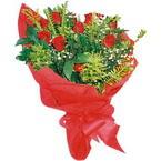 10 adet kirmizi gül buketi  İsparta çiçek yolla