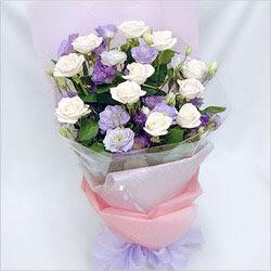 İsparta internetten çiçek satışı  BEYAZ GÜLLER VE KIR ÇIÇEKLERIS BUKETI
