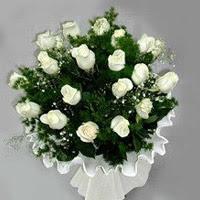 İsparta hediye çiçek yolla  11 adet beyaz gül buketi ve bembeyaz amnbalaj