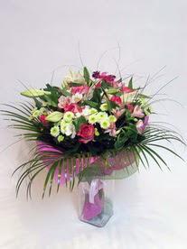 İsparta hediye çiçek yolla  karisik mevsim buketi mevsime göre hazirlanir.