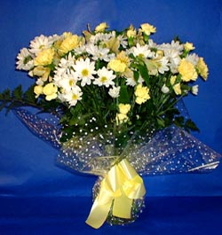 İsparta hediye çiçek yolla  sade mevsim demeti buketi sade ve özel