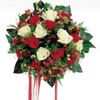 İsparta ucuz çiçek gönder  6 adet kirmizi 6 adet beyaz ve kir çiçekleri buket