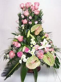 İsparta ucuz çiçek gönder  özel üstü süper aranjman