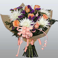 güller ve kir çiçekleri demeti   İsparta çiçekçiler