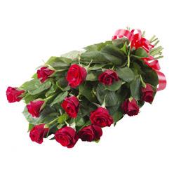 11 adet kirmizi gül buketi  İsparta yurtiçi ve yurtdışı çiçek siparişi