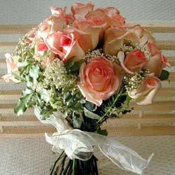 12 adet sonya gül buketi    İsparta çiçek gönderme