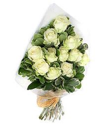 İsparta online çiçekçi , çiçek siparişi  12 li beyaz gül buketi.