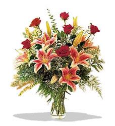 İsparta çiçek servisi , çiçekçi adresleri  Pembe Lilyum ve Gül