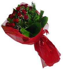 İsparta çiçek gönderme sitemiz güvenlidir  10 adet kirmizi gül demeti