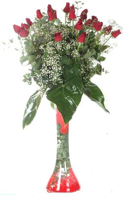İsparta uluslararası çiçek gönderme  19 ADET GÜL VE FIL CAM AYAGI