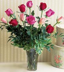 İsparta çiçek mağazası , çiçekçi adresleri  12 adet karisik renkte gül cam yada mika vazoda