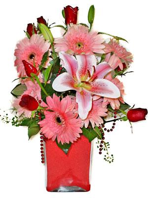 İsparta cicek , cicekci  karisik cam yada mika vazoda mevsim çiçekleri mevsim demeti