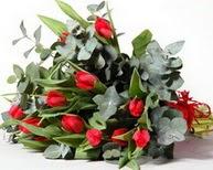 İsparta çiçek satışı  11 adet kirmizi gül buketi özel günler için