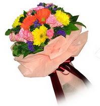 İsparta çiçekçi mağazası  Karisik mevsim çiçeklerinden demet