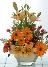 İsparta çiçek servisi , çiçekçi adresleri  cam yada mika vazo içinde karisik mevsim çiçekleri