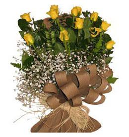 İsparta çiçek yolla  9 adet sari gül buketi