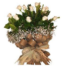 İsparta çiçekçi telefonları  9 adet beyaz gül buketi