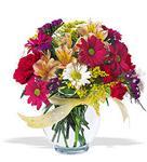 İsparta çiçek , çiçekçi , çiçekçilik  cam yada mika vazo içerisinde karisik kir çiçekleri