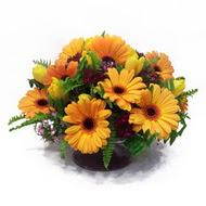gerbera ve kir çiçek masa aranjmani  İsparta çiçek siparişi vermek