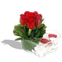 Mika kalp içerisinde 9 adet kirmizi gül  İsparta çiçek servisi , çiçekçi adresleri