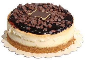 pasta yolla 4 ile 6 kisilik çikolatali yas pasta  İsparta online çiçek gönderme sipariş
