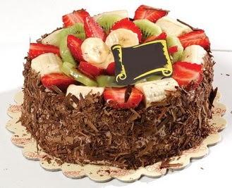 pastaci firmasindan 4 ile 6 kisilik çikolata meyvali yaspasta  İsparta çiçek siparişi sitesi