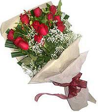 11 adet kirmizi güllerden özel buket  İsparta internetten çiçek siparişi