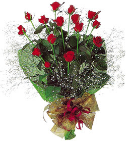 11 adet kirmizi gül buketi özel hediyelik  İsparta çiçekçi mağazası