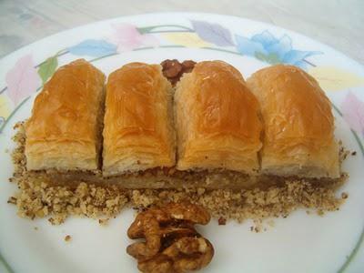 online pastane Essiz lezzette 1 kilo cevizli baklava  İsparta cicek , cicekci