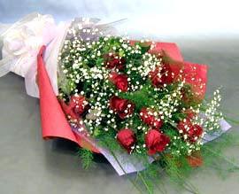 10 adet kirmizi gül çiçegi gönder  İsparta anneler günü çiçek yolla