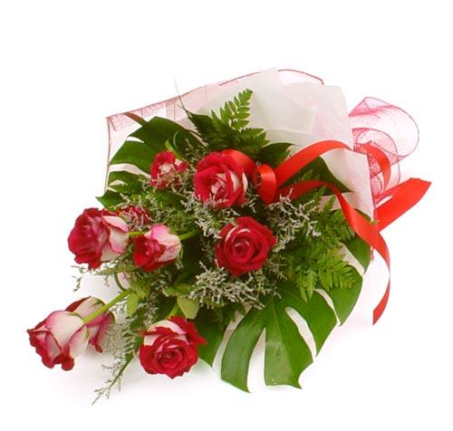 çiçek gönder 7 adet kirmizi gül buketi  İsparta kaliteli taze ve ucuz çiçekler