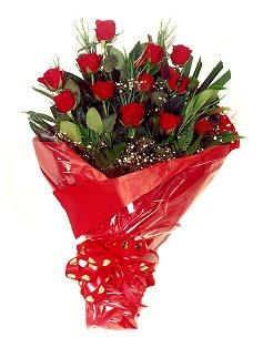 12 adet kirmizi gül buketi  İsparta çiçekçiler