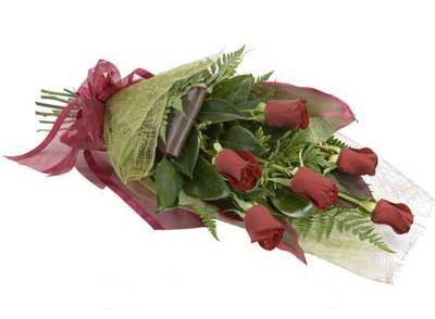 ucuz çiçek siparisi 6 adet kirmizi gül buket  İsparta çiçek siparişi sitesi